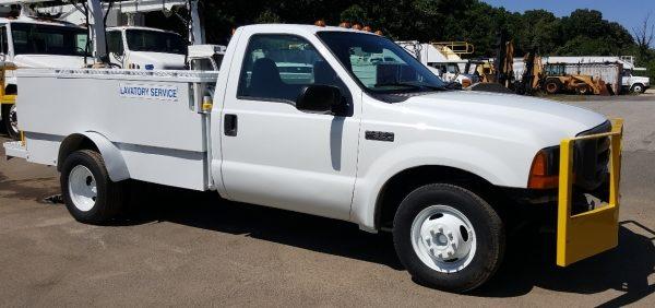 Lavatory_Service_Truck_2—_NMC_Wollard_Model_TLS770a